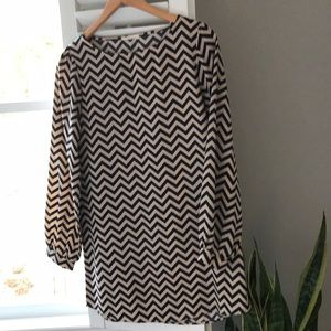 "Like New - Everly Dress Size Small 32 "" in length"